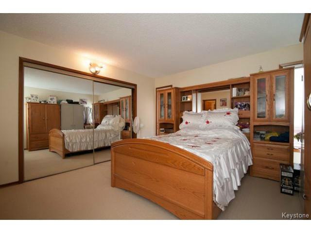 Photo 9: Photos: 3 Pekary Place in WINNIPEG: East Kildonan Single Family Detached for sale (North East Winnipeg)  : MLS®# 1412501