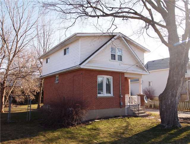 Main Photo: 294 Bay Street: Beaverton Freehold for sale ()  : MLS®# N3449363