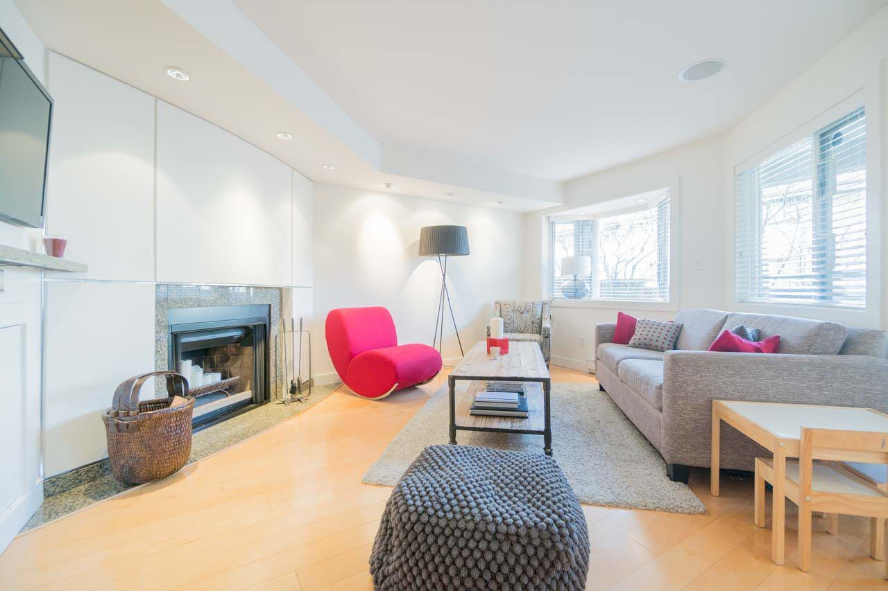 Main Photo: 2411 W 1ST AVENUE in Vancouver: Kitsilano Townhouse for sale (Vancouver West)  : MLS®# R2140613