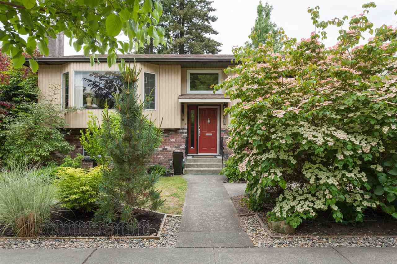 Main Photo: 422 SECOND STREET in New Westminster: Queens Park House for sale : MLS®# R2286060