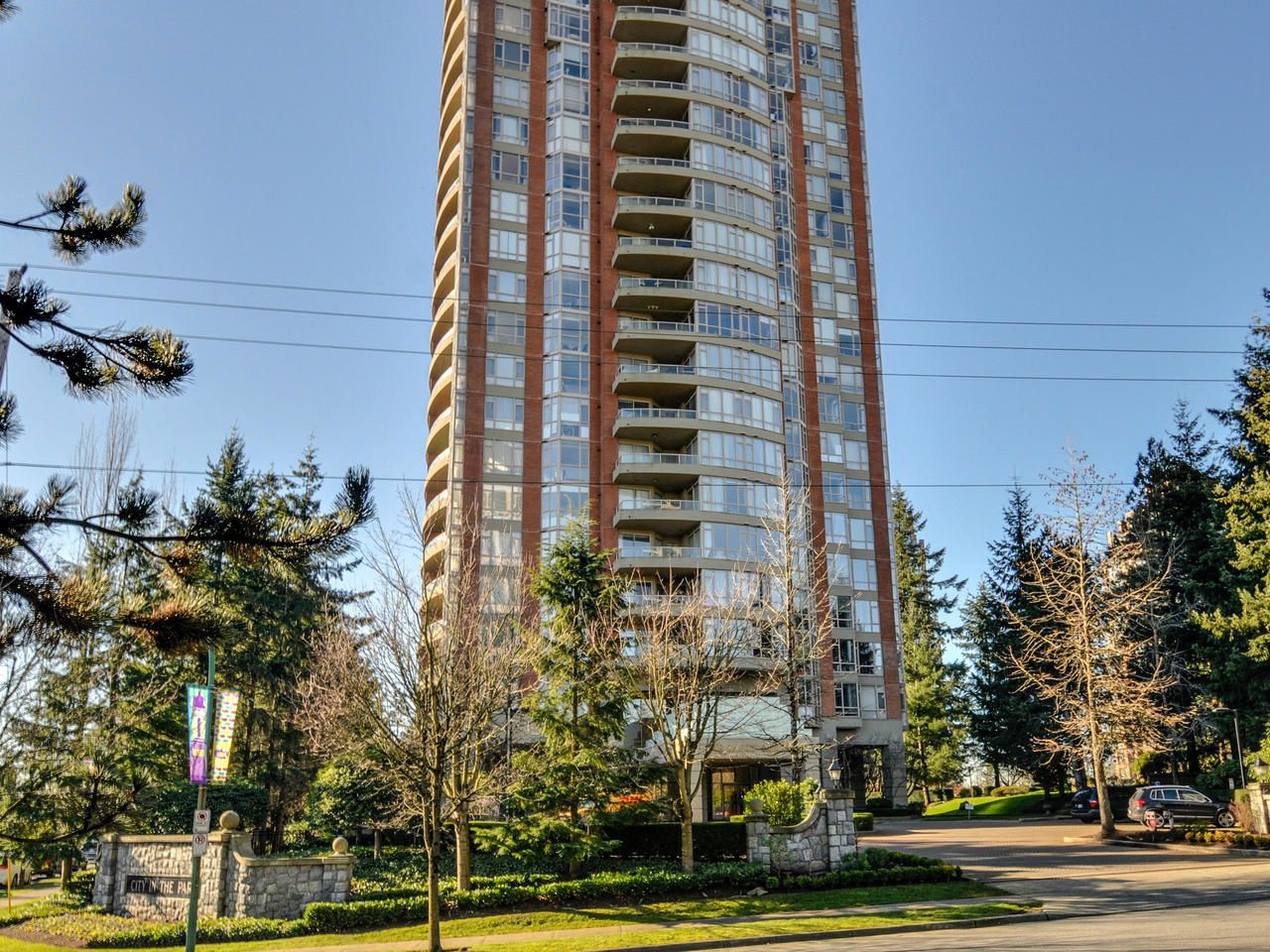 Main Photo: 903 6888 STATION HILL DRIVE in Burnaby: South Slope Condo for sale (Burnaby South)  : MLS®# R2336364