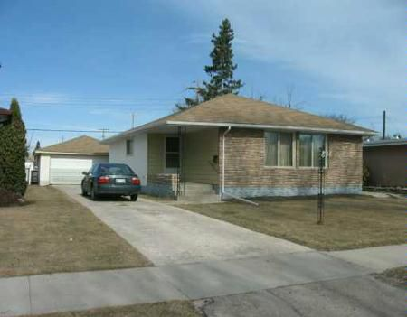 Main Photo: 836 AIRLIES ST.: Residential for sale (Garden City)  : MLS®# 2705464