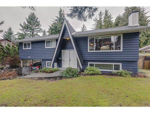 "Main Photo: 40421 SKYLINE Drive in Squamish: Garibaldi Highlands House for sale in ""GARIBALDI HIGHLANDS"" : MLS®# V992657"