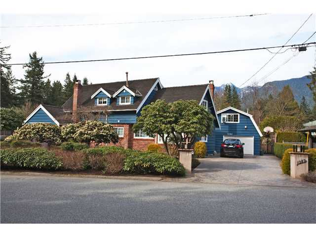 "Main Photo: 1282 RYDAL Avenue in North Vancouver: Canyon Heights NV House for sale in ""CANYON HEIGHTS"" : MLS®# V999856"