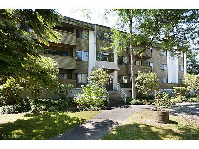"Main Photo: 32 2441 KELLY Avenue in Port Coquitlam: Central Pt Coquitlam Condo for sale in ""ORCHARD VALLEY ESTATES"" : MLS®# V1020701"