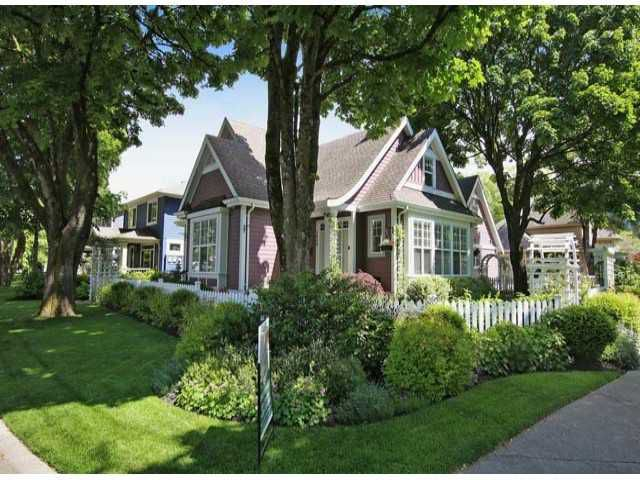 Picket fence perfect!  Award winning neighborhood of Garrison Crossing.