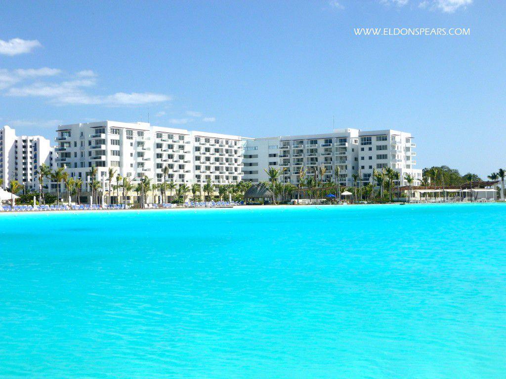 Playa Blanca Pool