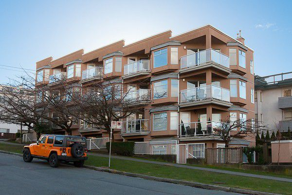 Main Photo: # 103 2006 W 2ND AV in Vancouver: Kitsilano Condo for sale (Vancouver West)  : MLS®# V1047469