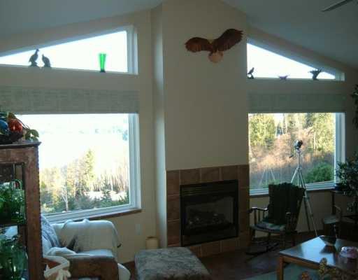 Photo 4: Photos: 6367 N GALE AV in Sechelt: Sechelt District House for sale (Sunshine Coast)  : MLS®# V581547
