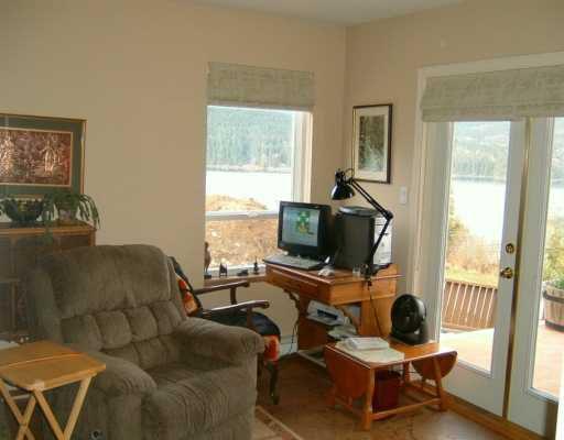 Photo 8: Photos: 6367 N GALE AV in Sechelt: Sechelt District House for sale (Sunshine Coast)  : MLS®# V581547