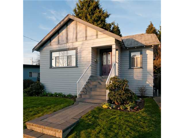 Main Photo: 609 4TH ST in New Westminster: GlenBrooke North House for sale : MLS®# V996589