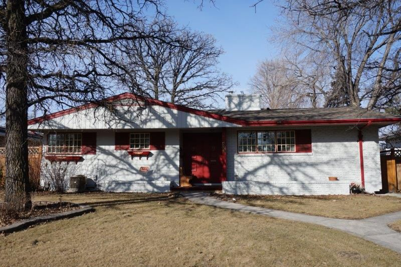 Main Photo: 432 Moray Street in : Grace Hospital Single Family Detached for sale