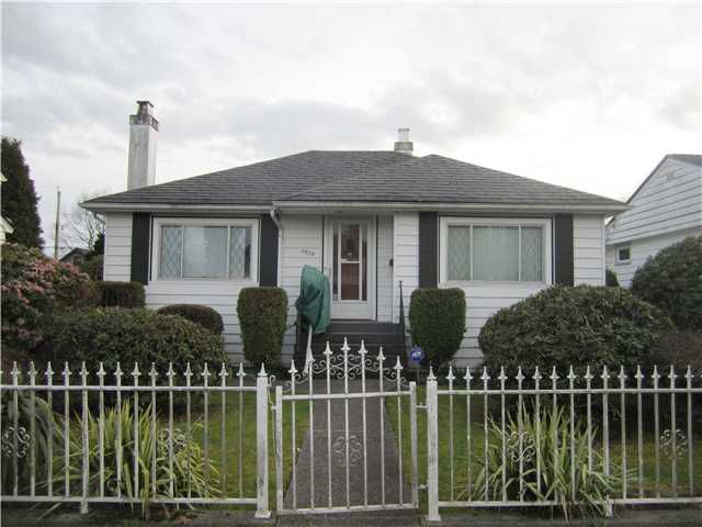 Main Photo: 3950 Eton Street in Burnaby: Vancouver Heights House for sale (Burnaby North)  : MLS®# V1111701