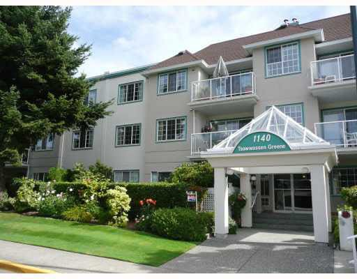Main Photo: 209 1140 55 STREET in Delta: Tsawwassen Central Condo for sale (Tsawwassen)  : MLS®# R2149066
