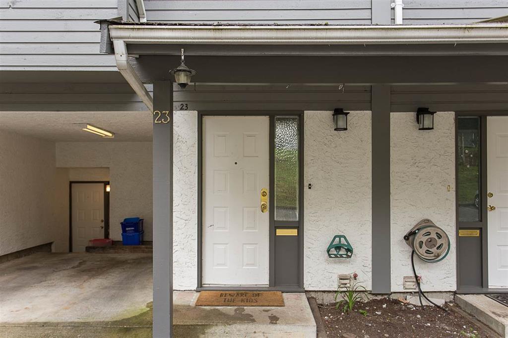Main Photo: 23 1240 Falcon Drive in Coquitlam: Upper Eagle Ridge Townhouse for sale : MLS®# R2155544