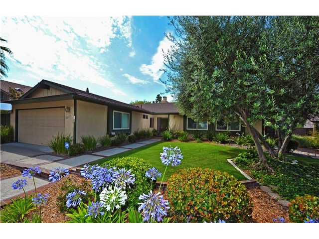 Main Photo: SCRIPPS RANCH House for sale : 5 bedrooms : 12121 Charbono Street in San Diego