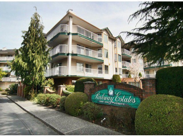 Main Photo: 206 5360 205th Street in Langley: Langley City Condo for sale : MLS®# F1228099