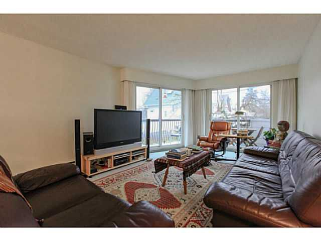 Main Photo: 211 3353 Heather Street in Vancouver: Cambie Condo  (Vancouver West)  : MLS®# V1101264