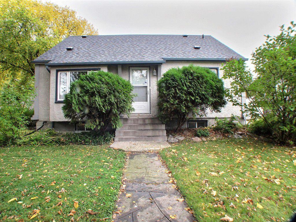 Main Photo: 1017 Dumas Avenue in Winnipeg: Fort Garry / Whyte Ridge / St Norbert Residential for sale (South Winnipeg)  : MLS®# 1527195