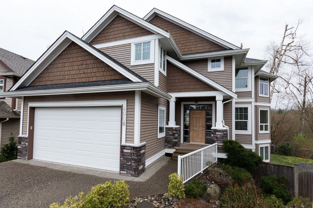 Main Photo: 4008 Caves Court in Abbotsford: Abbotsford East House for sale