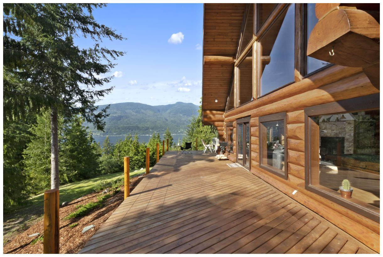 Photo 3: Photos: 5150 Eagle Bay Road in Eagle Bay: House for sale : MLS®# 10164548