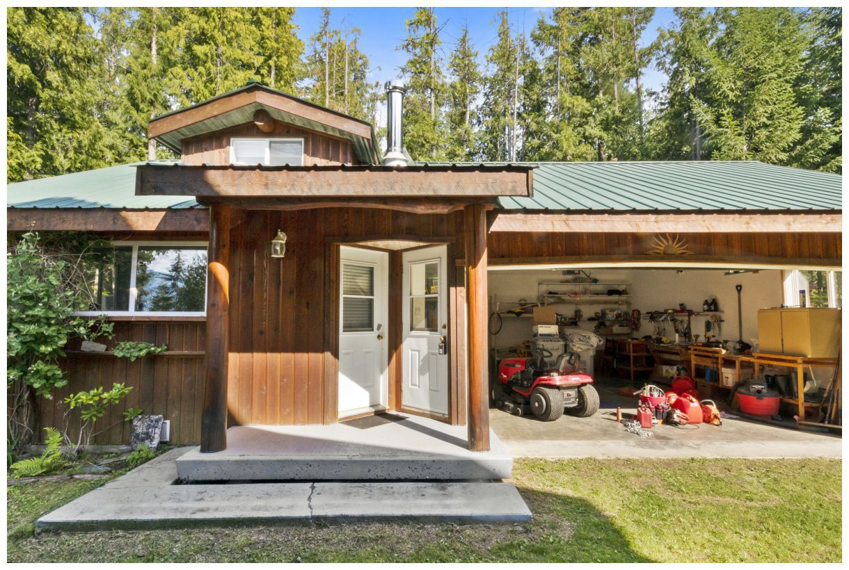 Photo 5: Photos: 5150 Eagle Bay Road in Eagle Bay: House for sale : MLS®# 10164548