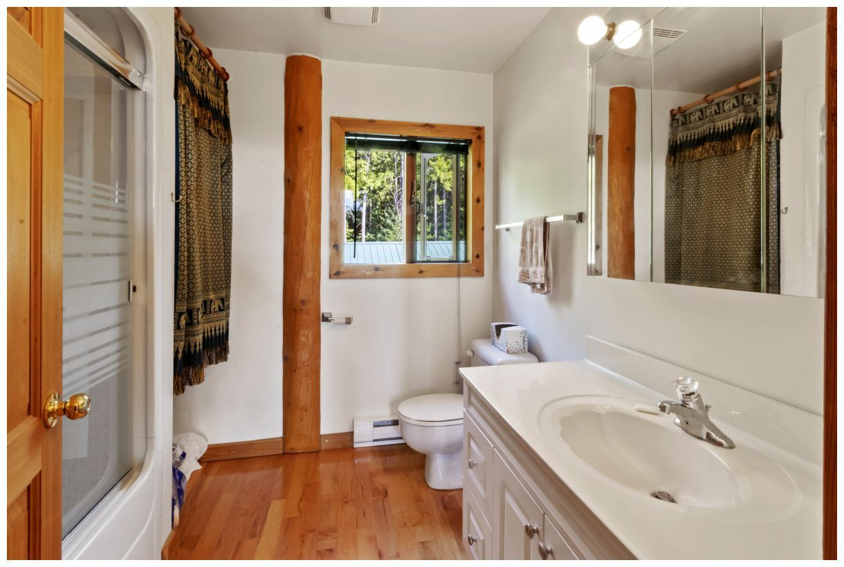 Photo 13: Photos: 5150 Eagle Bay Road in Eagle Bay: House for sale : MLS®# 10164548
