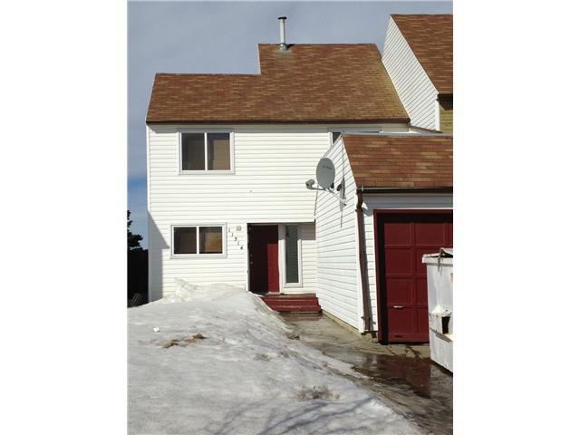 Main Photo: 11314 89A Street in Fort St. John: Fort St. John - City NE House 1/2 Duplex for sale (Fort St. John (Zone 60))  : MLS®# N226210