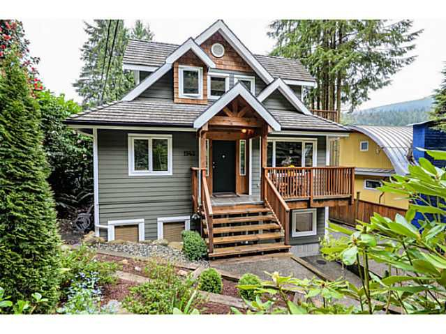 Main Photo: 1943 ROCKCLIFF RD in North Vancouver: Deep Cove House for sale : MLS®# V1059830