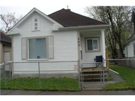Main Photo: 493 BOYD Avenue in Winnipeg: Residential for sale (Canada)  : MLS®# 1108523