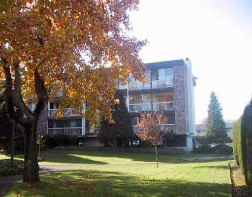 "Main Photo: 119 7631 STEVESTON HY in Richmond: Broadmoor Condo for sale in ""ADMIRAL'S WALK"" : MLS®# V541173"