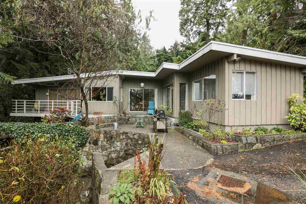 Main Photo: 498 Monteray Avenue in North Vancouver: Upper Delbrook House for sale : MLS®# R2324913