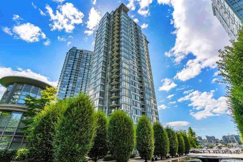 Main Photo: 506 1067 MARINASIDE CRESCENT in : Yaletown Condo for sale : MLS®# R2321254