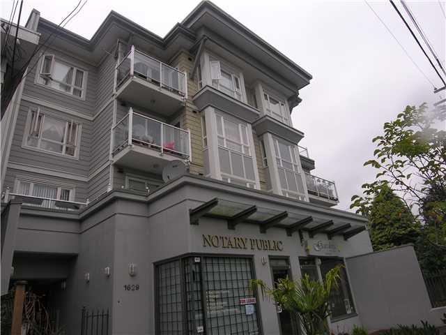 Main Photo: 303 1629 GARDEN Avenue in North Vancouver: Pemberton NV Condo for sale : MLS®# V937656