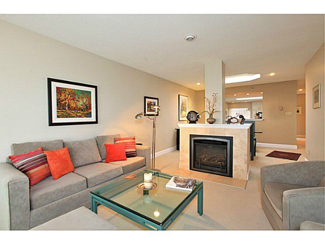 Main Photo: #303-2455 Bellevue Ave. in West Vancouver: Dundarave Condo for sale : MLS®# V1053445