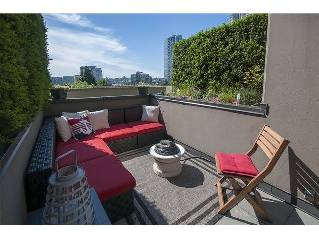 Main Photo: 967 BEATTY ST in Vancouver: Yaletown Condo for sale (Vancouver West)  : MLS®# V1073614