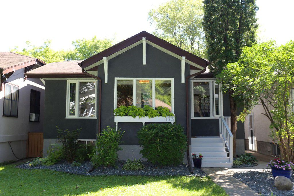Welcome to 173 Sherburn St. in Wolseley