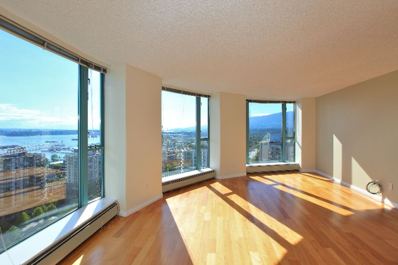 This corner unit boasts amazing panoramic views that you get full advantage of with floor to ceiling windows across the living room.