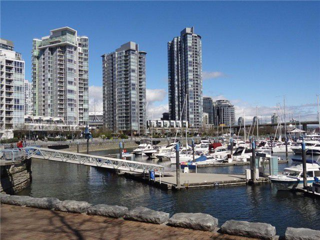 Main Photo: 606 1228 N Marinaside Crescent in Vancouver: Yaletown Condo for sale (Vancouver West)  : MLS®# v1000275