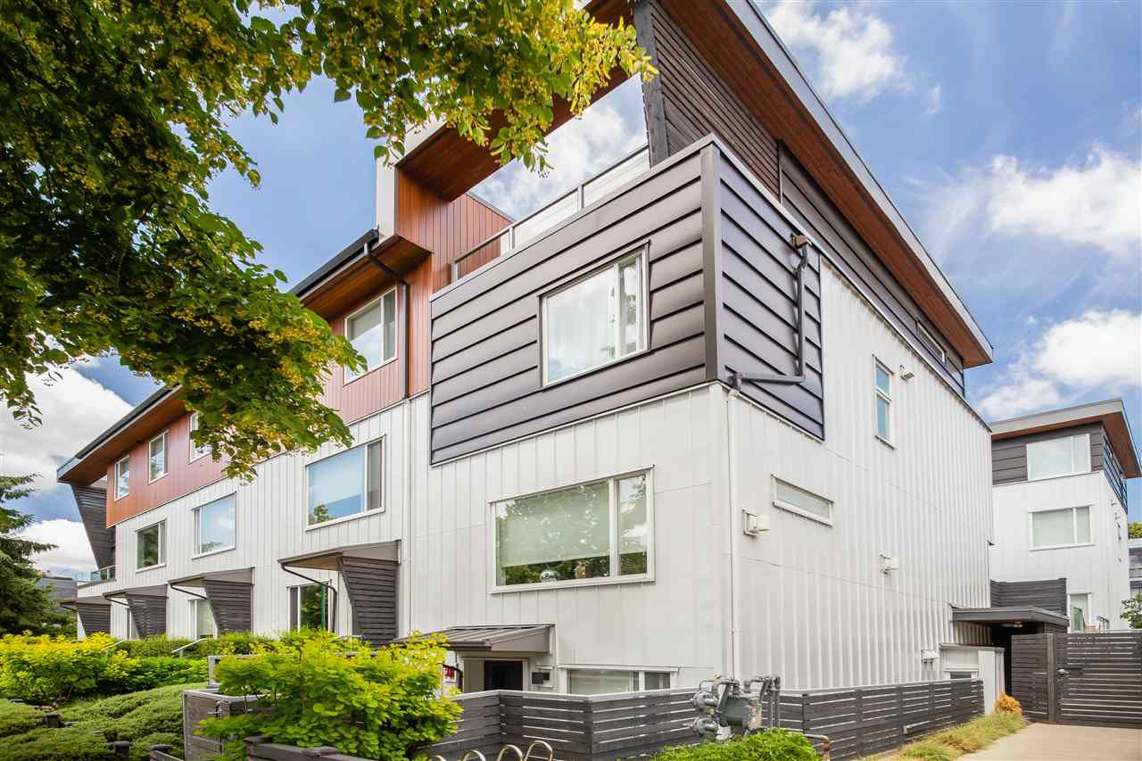 Main Photo: 214 455 E 16TH AVENUE in Vancouver: Mount Pleasant VE Condo for sale (Vancouver East)  : MLS®# R2286335