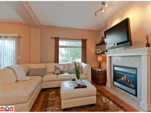 Main Photo: 10 14453 72ND Avenue in Surrey: East Newton Townhouse for sale : MLS®# F1220344