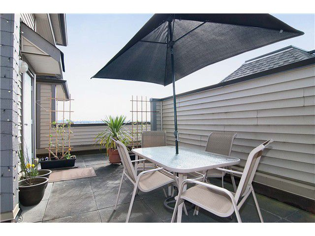 """Main Photo: 307 3709 PENDER Street in Burnaby: Willingdon Heights Townhouse for sale in """"LEXINGTON NORTH"""" (Burnaby North)  : MLS®# V998412"""