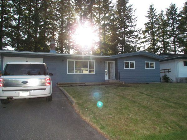 Main Photo: 3003 Princess St. in Abbotsford: Abbotsford West House for rent