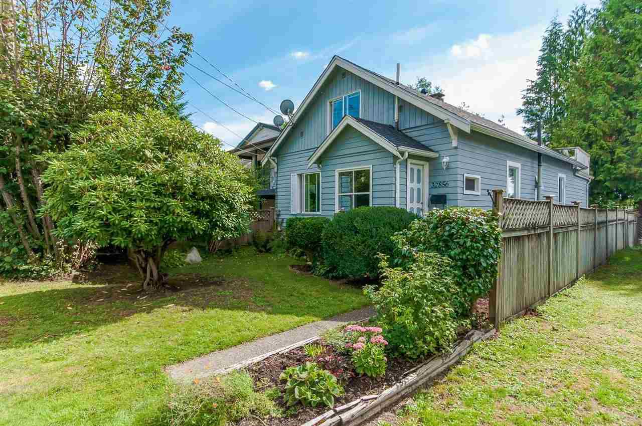 Main Photo: 32856 4TH AVENUE in Mission: Mission BC House for sale : MLS®# R2001019