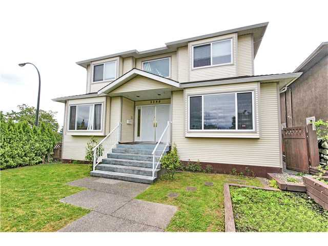 """Main Photo: 3298 E 2ND Avenue in Vancouver: Renfrew VE House for sale in """"FRASERVIEW"""" (Vancouver East)  : MLS®# V1014619"""