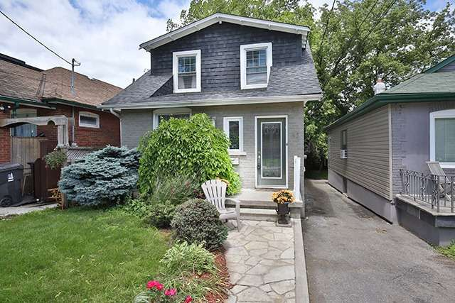 Main Photo: 12 Westbrook Ave in Toronto: Woodbine-Lumsden Freehold for sale (Toronto E03)  : MLS®# E3264118