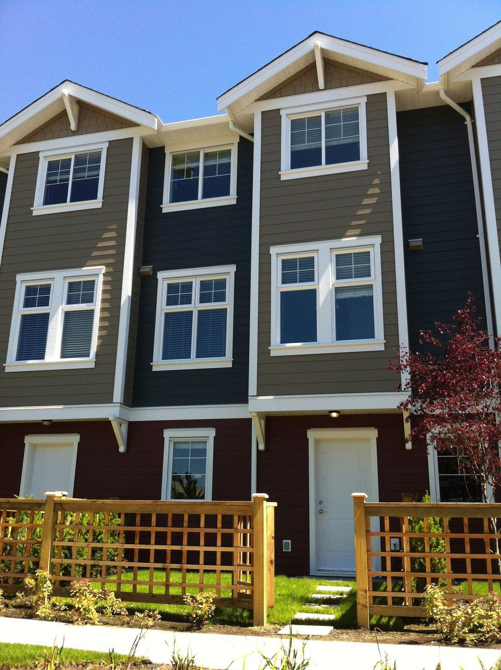 Main Photo: #28 1111 Ewen Ave in New Westminster: Queensborough Townhouse for sale : MLS®# V1009565