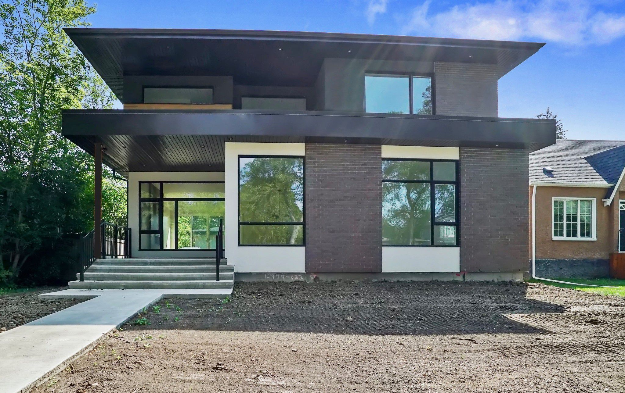 Main Photo: 10979 122 Street NW in Edmonton: Westmount House for sale : MLS®# E4123909