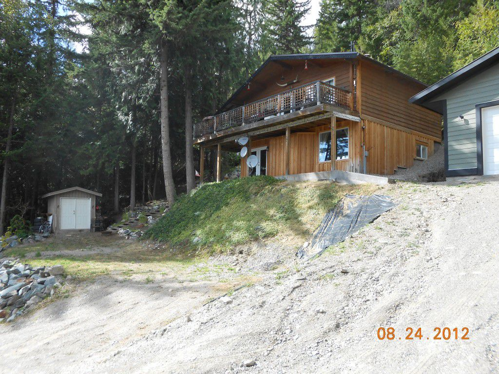 Main Photo: 2745 Vickers Trail in Anglemont: House for sale : MLS®# 10072926