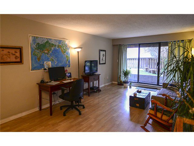 Main Photo: # 102 2424 CYPRESS ST in Vancouver: Kitsilano Condo for sale (Vancouver West)  : MLS®# V1064786